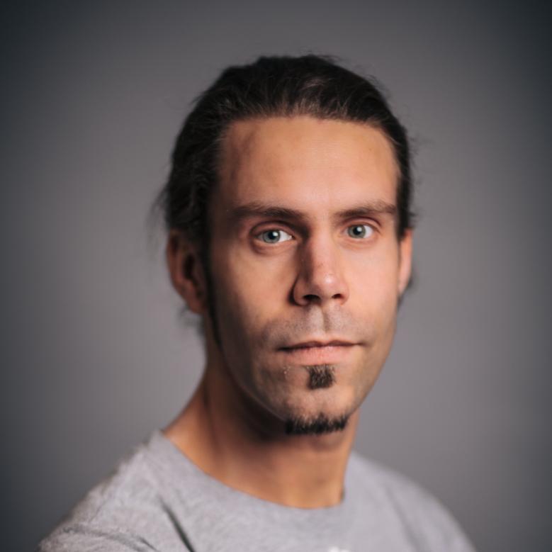 Kris Lucas, Schlagzeug, Bongoschule